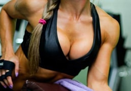 Sports girls on webcams: muscles and inflated female bodies